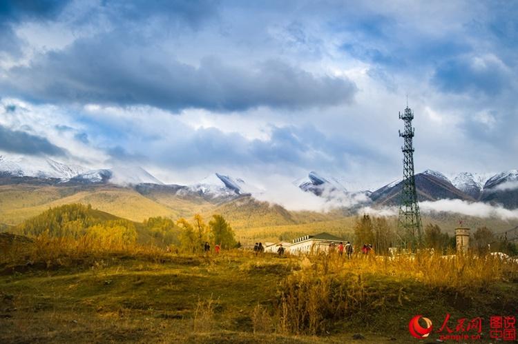 사계절이 아름다운 신강 바이하바촌의 가을, 중국 8대 '아름다운 마을'